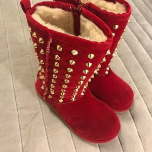 Toddler studed Sherpa boots